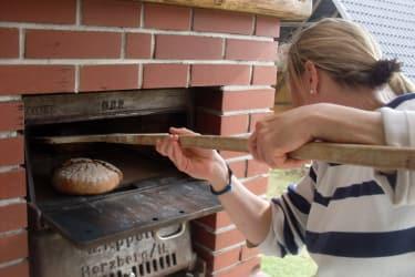 Brot backen am Fuggerhof