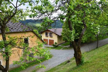 Blick auf die Knechtwohnung am Wratschnighof