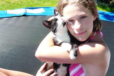 Katze Mimi mit Anna