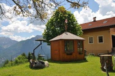 Unsere Grillstelle mit Pavillon, indem man Sommer aber auch Winterabende ausklingen lassen kann.