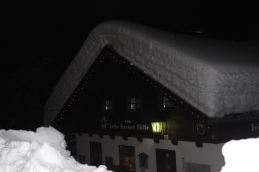 Die Frido Kordon Hütte romantisch bei Nacht