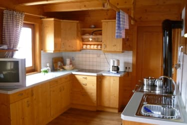 Fully-equipped, large kitchen