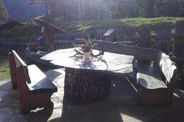 Steinplatte , ein schöner Ort um zu Frühstücken.