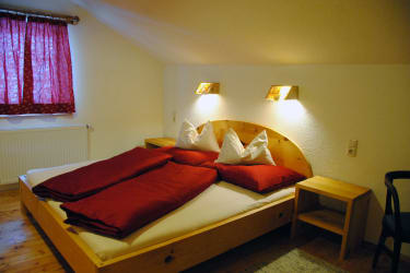 Zirben Apartments im Sturm-Archehof