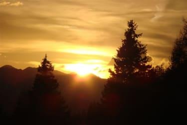 ein Sonnenuntergang vor unserer Hütte