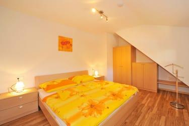 Zimmer Ferienwohnung im Haus