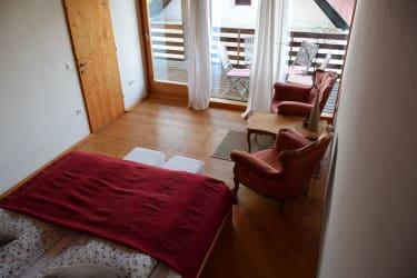 Goldeck Seit'n... Zimmer 1 mit Balkon