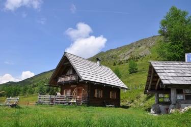 Hütte und Grillhütte