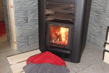 Spürbare Wärme aus dem selbst geheizten Saunaofen !