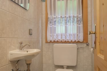 Toilette/Familienalmhaus