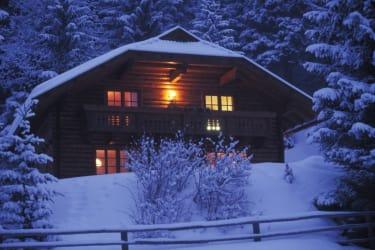 Almhuette im Winter