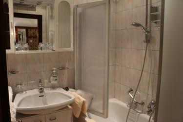 Badezimmer Seebungalow
