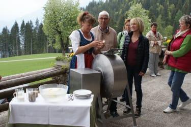 Butterrühren beim Tschabitscherhof