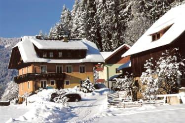 Unser Hof im Winterkleid