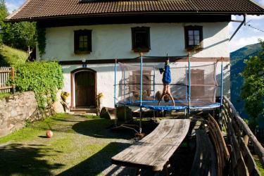 Bauernhaus mit Trampolin