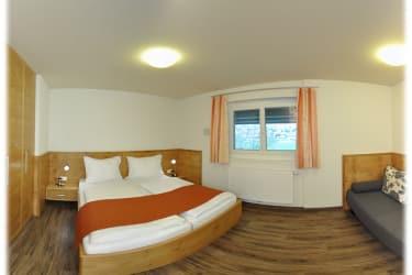 Großes Schlafzimmer 2