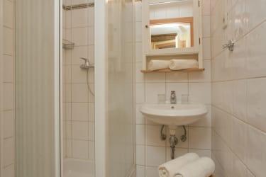 Badezimmer mit Dusch