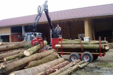 Mit modernen Geräten ist die Holzarbeit bald erledigt