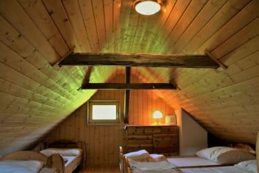 2. Stock mit 4 Betten, Kinderspiel-Leseecke