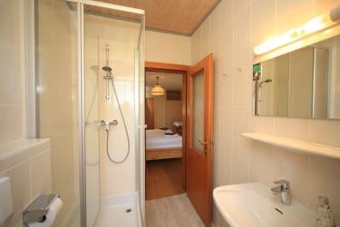 Badezimmer im Doppelzimmer