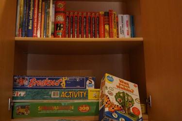 Schlechtwetterprogramm - Bücher u. Spiele