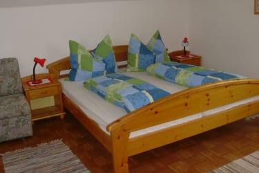 Schlafzimmer FeWo A