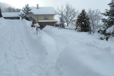 die Schneeschaufel wird nicht kalt