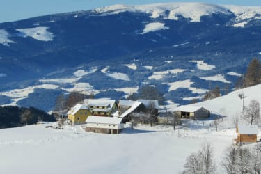 Winterpanorama vom Bauernhof Pension Juri