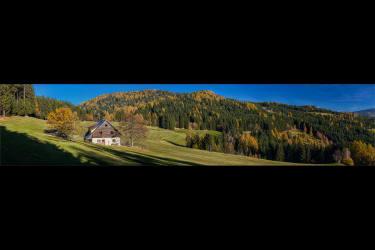 Bischofkreuzhuette im Herbst 2