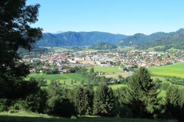 Nur 3km von unserem Hof entfernt liegt die Bezirkshauptstadt Feldkirchen.