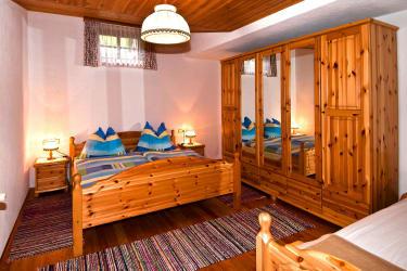 Schlafzimmer - west