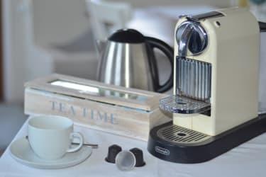 Kaffee und Teesortiment am Zimmer