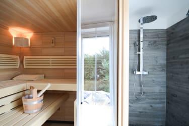 Waldjuwel - Sauna und Dusche