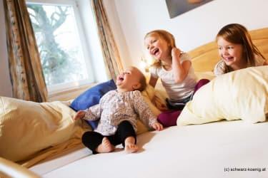 Kinderlachen im Zimmer