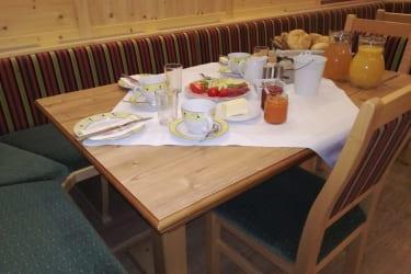Frühstück in unserem Bauernstüberl