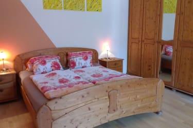 Schlafzimmer Ferienwohnung Vierkanter