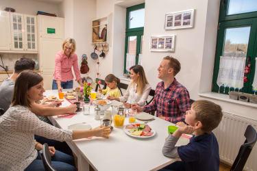 Im Frühstücksraum (Foto: Winzerhof Küssler)