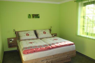 Lachinger - Ferienwohnung - Grünes Zimmer