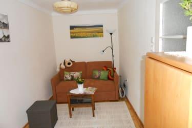 Haus Lebensreich - ausziehbare Couch - gemütliche Spielecke