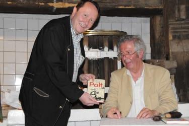 Felix Wiklicky und Alfred Komarek bei einer Lesung von POLT . in einem Keller im Pulkautal