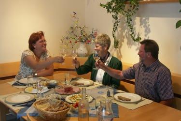 Weinverkostung im Hause Wagner