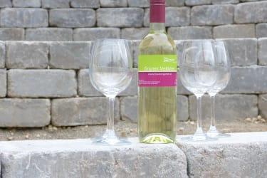 Weinflasche mit Gläser