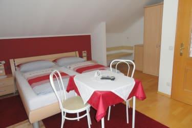Haus Fasching - zweites Schlafzimmer der Ferienwohnung