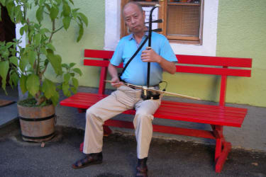 Gast aus China im Innenhof