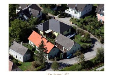 Unser Gästehaus, durch Innenhof verbunden mit Nebengebäuden und unserem Haus