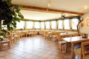 Winerhof & Gästehaus Stöger - Heurigenlokal mit Donaublick