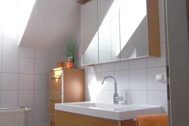 Badezimmer mit Dusche DO