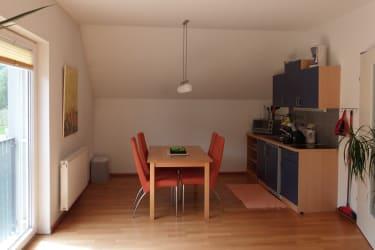 Küchenzeile mit Essbereich DO