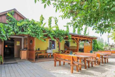 Gästehaus Wildpert - Heuriger