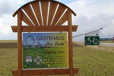 Gästehaus zur alten Buche - Wegweiser zum Gästehaus